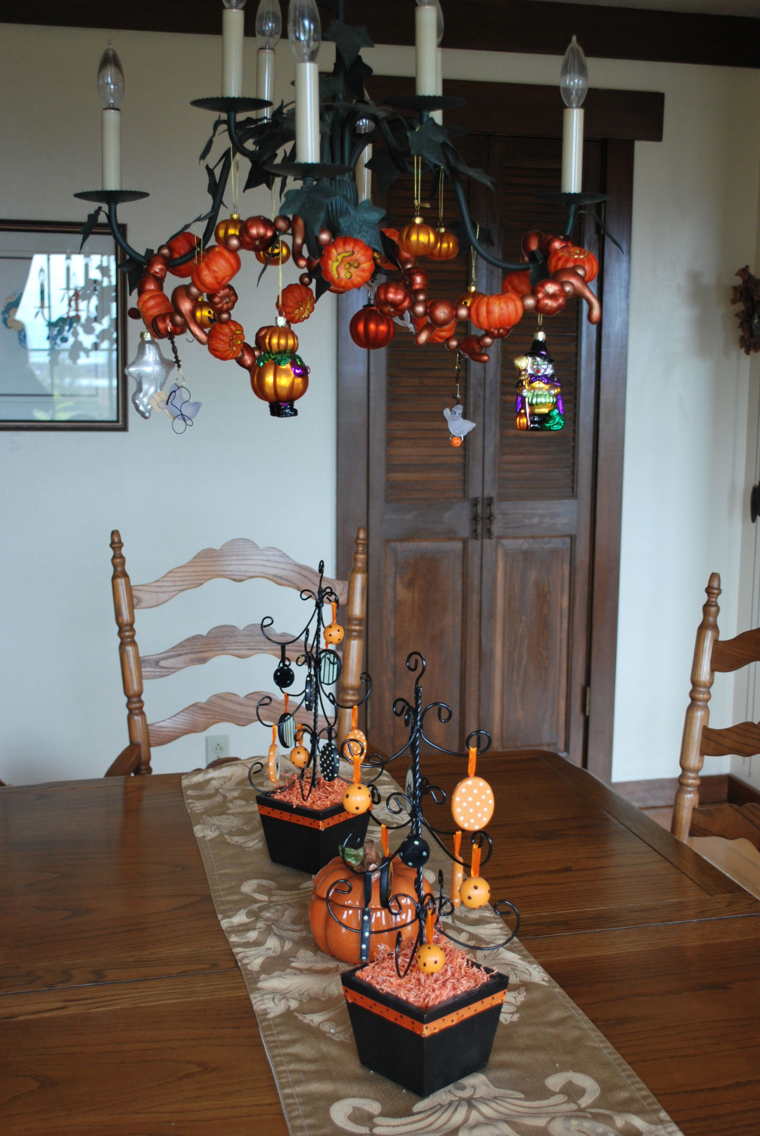 Dining Table Halloween Dining Table Decorations : Halloween Dining Table from diningtabletoday.blogspot.com size 2592 x 3872 jpeg 930kB