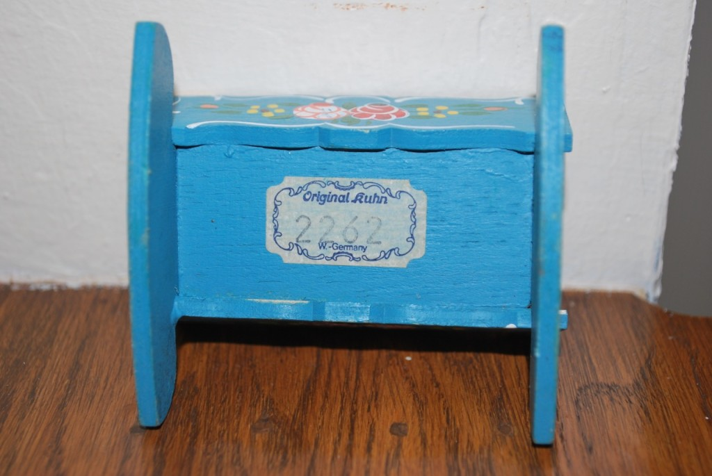 Vintage Dollhouse Furniture For Sale Part - 27: Dora Kuhn: Vintage German Bavarian Dollhouse Furniture | MissBargainHuntress