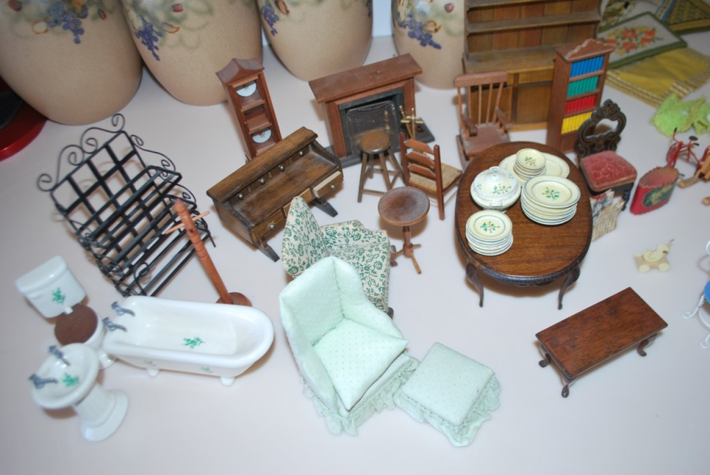 Superb Doll Furniture For Sale Part - 5: Dollhouse Furniture1