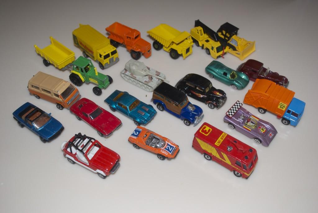 A 1 Box Of Vintage Toy Cars Missbargainhuntress