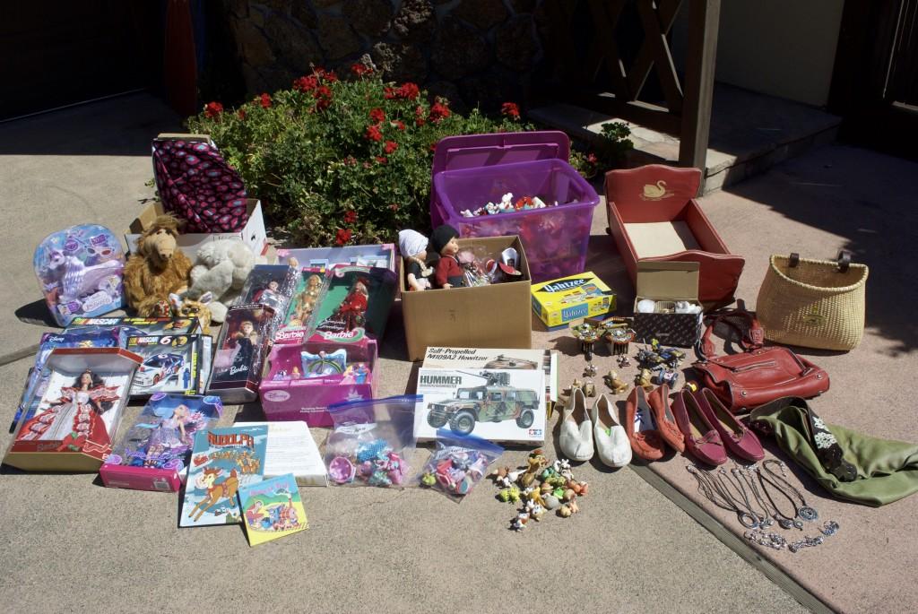 Garage Sale Weekend Recap Quot The Vintage Ornaments Dolls