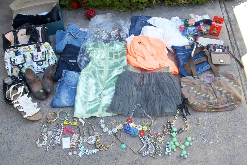 "b21fa23a9 Garage Sale Weekend Recap: ""Piles of Jewelry and Clothing"""
